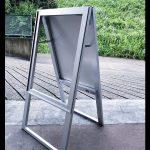 メタリックの屋外看板が手軽にできる。アルミ複合板シルバー事例
