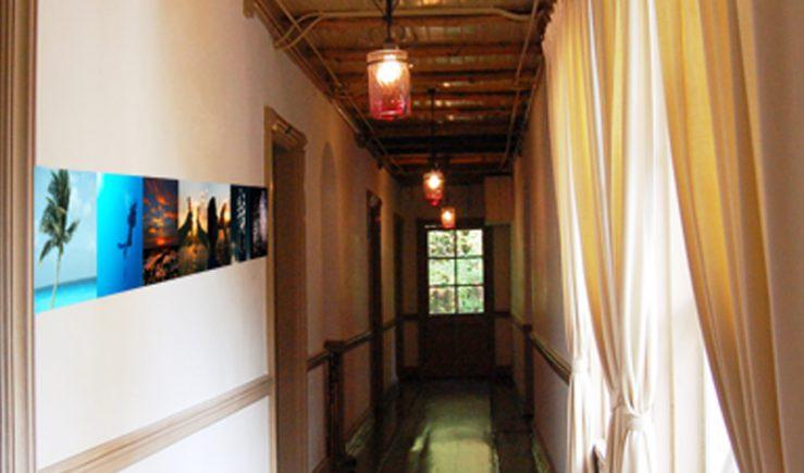 壁に貼れる故人の想い出写真展
